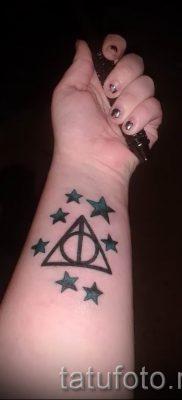 Фото тату тату дары смерти для статьи про значение рисунка татуировки – tatufoto.ru – 68