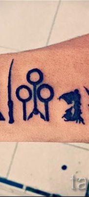 Фото тату тату дары смерти для статьи про значение рисунка татуировки – tatufoto.ru – 69