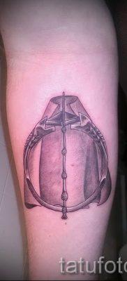 Фото тату тату дары смерти для статьи про значение рисунка татуировки – tatufoto.ru – 70