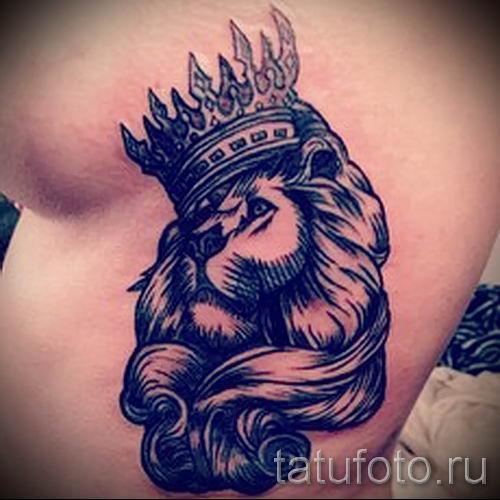тату лев с короной - фото для статьи про значение татуировки - tatufoto.ru - 14