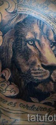 тату лев с короной – фото для статьи про значение татуировки  – tatufoto.ru – 22