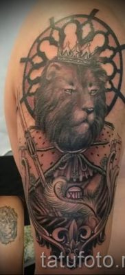 тату лев с короной – фото для статьи про значение татуировки  – tatufoto.ru – 28