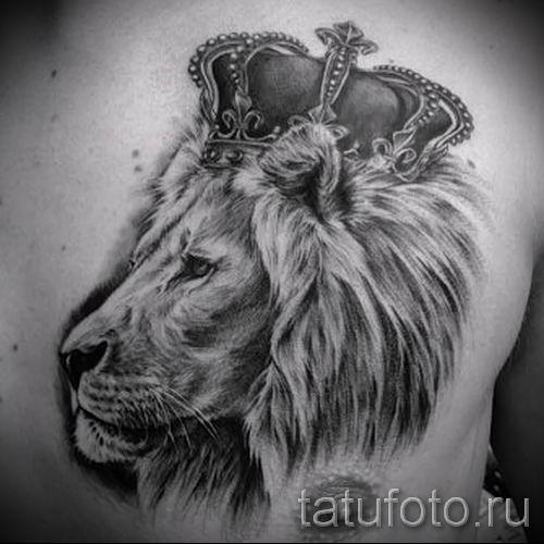 тату лев с короной - фото для статьи про значение татуировки - tatufoto.ru - 30