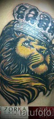тату лев с короной – фото для статьи про значение татуировки  – tatufoto.ru – 36