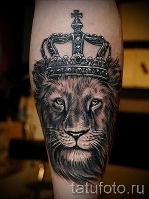 тату лев с короной - фото для статьи про значение татуировки - tatufoto.ru - 37