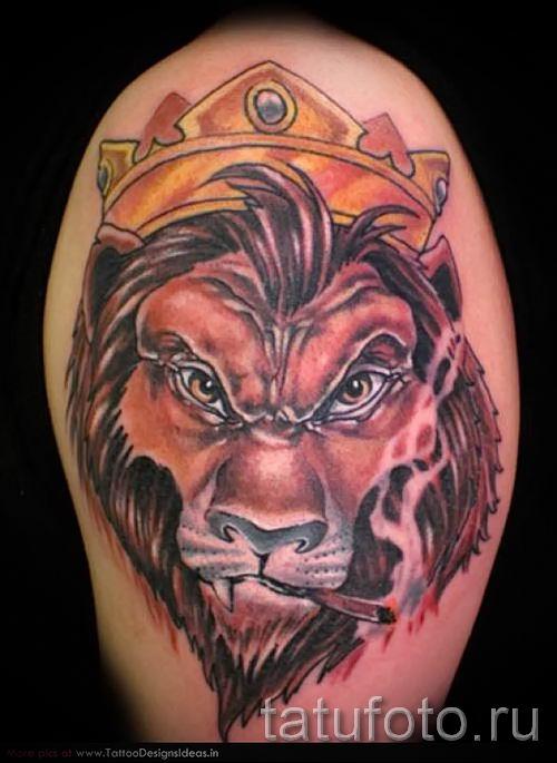 тату лев с короной - фото для статьи про значение татуировки - tatufoto.ru - 57