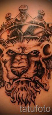 тату лев с короной – фото для статьи про значение татуировки  – tatufoto.ru – 59