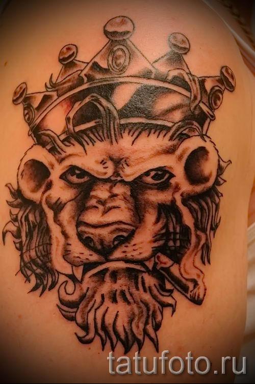 тату лев с короной - фото для статьи про значение татуировки - tatufoto.ru - 59