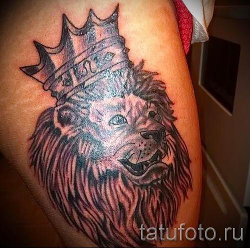 тату лев с короной - фото для статьи про значение татуировки - tatufoto.ru - 60