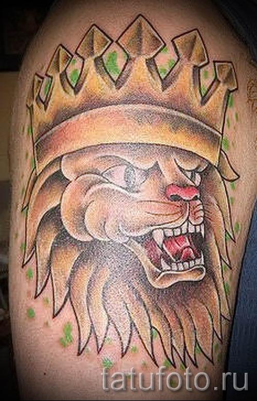 тату лев с короной - фото для статьи про значение татуировки - tatufoto.ru - 68