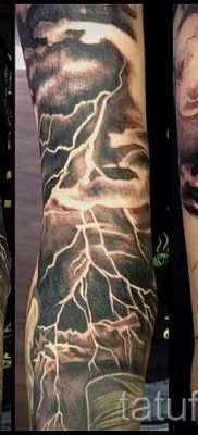 тату молния фото для стати про значение татуировки – tatufoto.ru – 12