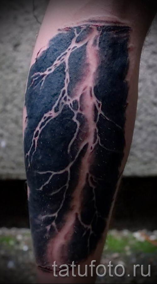 тату молния фото для стати про значение татуировки - tatufoto.ru - 17