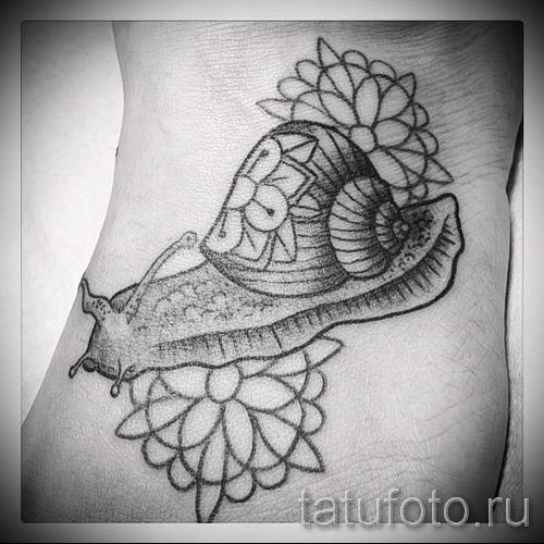 тату улитка фото - пример тату для статьи про значение татуировки - tatufoto.ru - 40