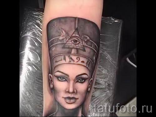 фото классной готовой тату Нефертити для статьи про значение 1
