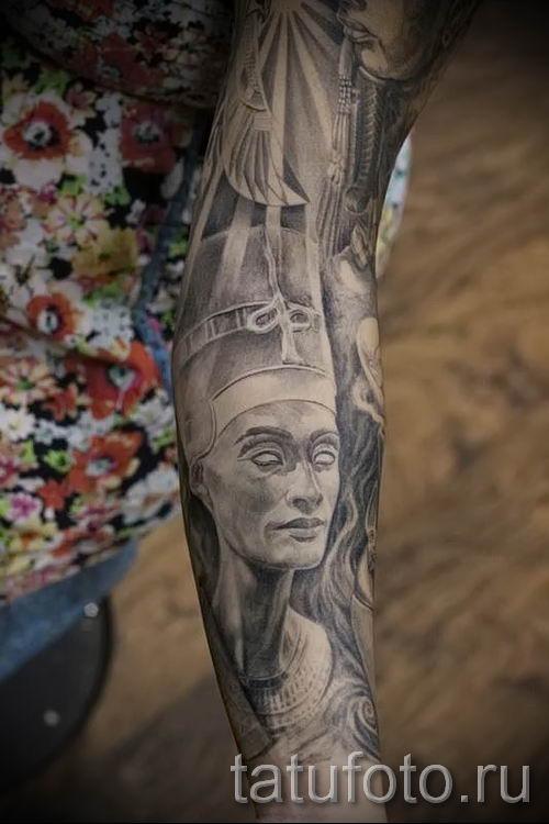 фото классной готовой тату Нефертити для статьи про значение 16