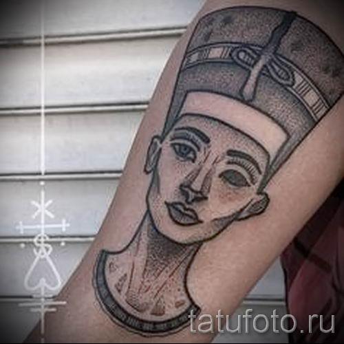 фото классной готовой тату Нефертити для статьи про значение 17