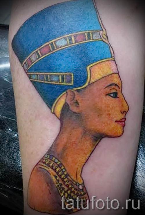 фото классной готовой тату Нефертити для статьи про значение 18