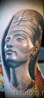 фото классной готовой тату Нефертити для статьи про значение 21