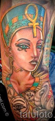 фото классной готовой тату Нефертити для статьи про значение 23