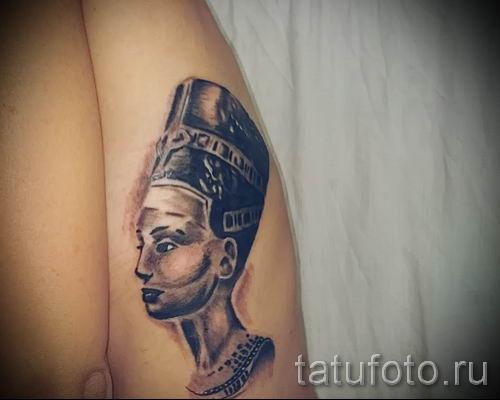 фото классной готовой тату Нефертити для статьи про значение 25