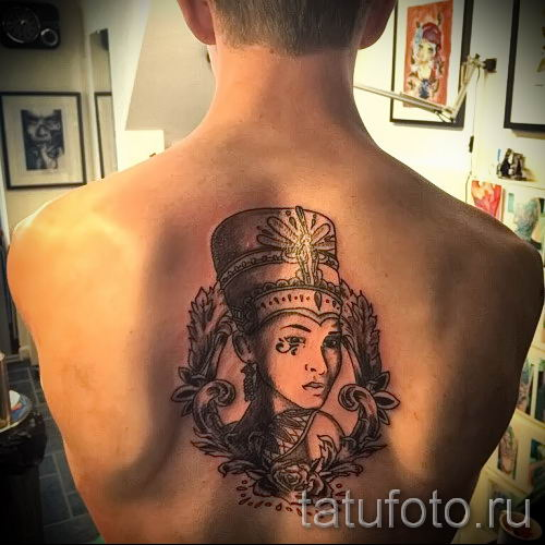 фото классной готовой тату Нефертити для статьи про значение 27