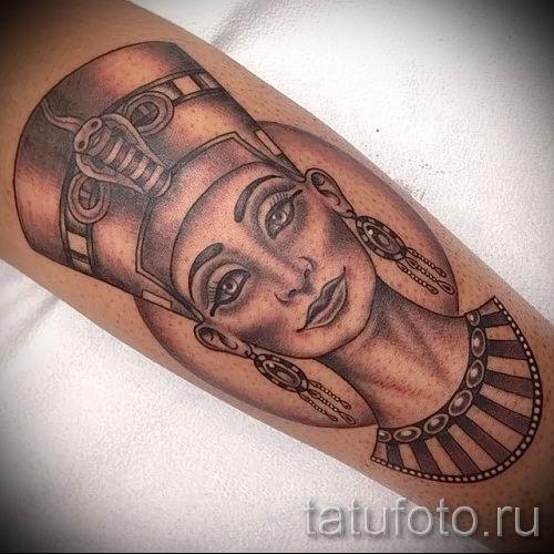 фото классной готовой тату Нефертити для статьи про значение 41