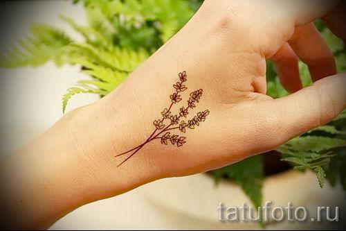 фото пример тату лаванда для статьи про значение этой татуировки 31