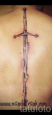 фото пример тату меч – картинка для статьи про значение татуировки 3