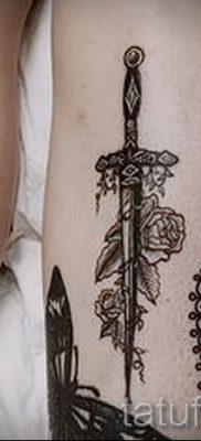 фото пример тату меч – картинка для статьи про значение татуировки 14