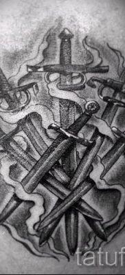 фото пример тату меч – картинка для статьи про значение татуировки 24