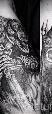 фото пример тату меч – картинка для статьи про значение татуировки 25