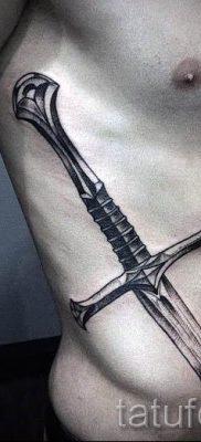 фото пример тату меч – картинка для статьи про значение татуировки 28