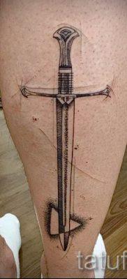 фото пример тату меч – картинка для статьи про значение татуировки 48