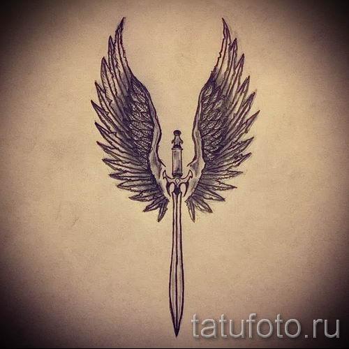 фото пример тату меч - картинка для статьи про значение татуировки 50