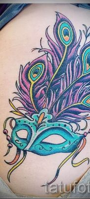 Вариант необычной тату перо павлина рисунок которой подойдет для ступни или шеи – значение тату материал