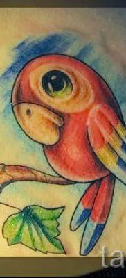 фото пример тату попугай для статьи про значение тату с попугаем – 26