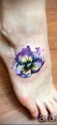фото татуировки фиалка для статьи про значение тату фиалка – tatufoto.ru – 5