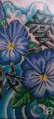 фото татуировки фиалка для статьи про значение тату фиалка – tatufoto.ru – 9