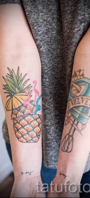 фото тату ананас для статьи про значение татуировки с ананасом – tatufoto.ru – 3