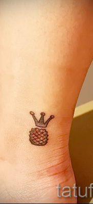 фото тату ананас для статьи про значение татуировки с ананасом – tatufoto.ru – 12