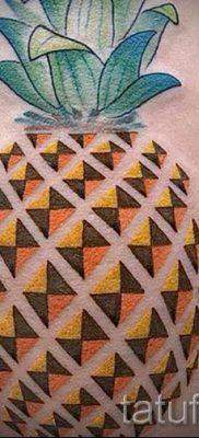 фото тату ананас для статьи про значение татуировки с ананасом – tatufoto.ru – 15
