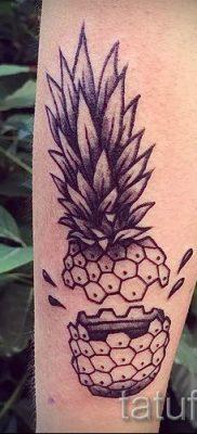 фото тату ананас для статьи про значение татуировки с ананасом – tatufoto.ru – 20