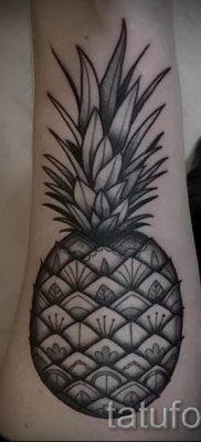 фото тату ананас для статьи про значение татуировки с ананасом – tatufoto.ru – 23