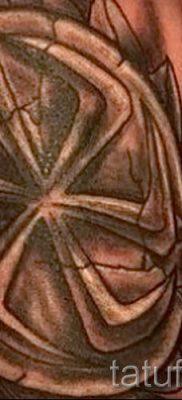фото тату коловрат для статьи про значение татуировки коловрат – tatufoto.ru – 20