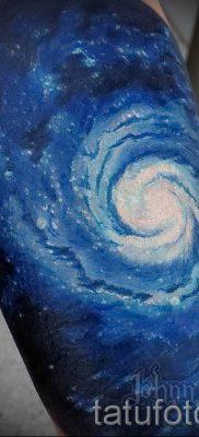 фото тату космос для статьи про значение космических татуировок – tatufoto.ru – 22