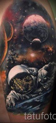 фото тату космос для статьи про значение космических татуировок – tatufoto.ru – 41