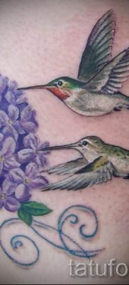 фото тату сирень для статьи про значение татуировки сирень – tatufoto.ru – 3