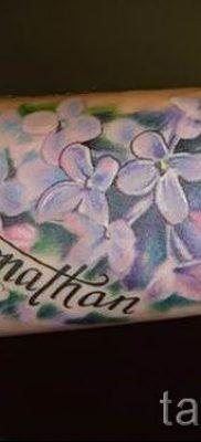 фото тату сирень для статьи про значение татуировки сирень – tatufoto.ru – 26