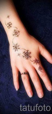 фото тату снежинка для статьи про значение татуировки снежинка – tatufoto.ru – 19