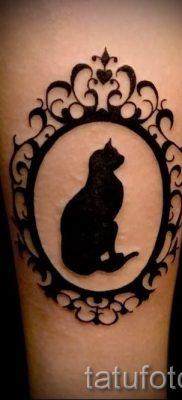 фото тату с черной кошкой для статьи про значение татуировки – tatufoto.ru – 5